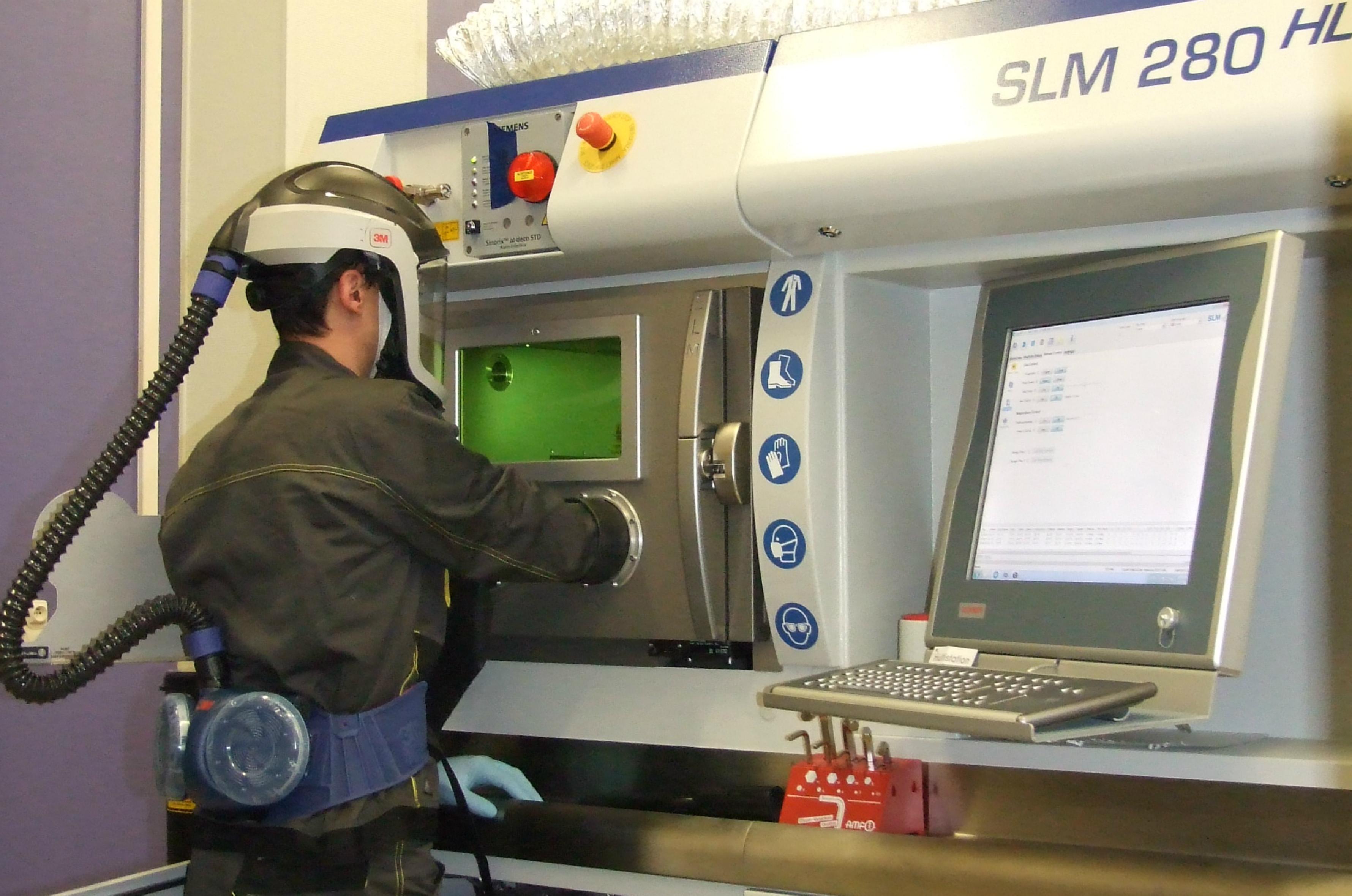 Utilisation de la machine SLM 280 HL par une des entreprises participantes au projet SUPCHAD
